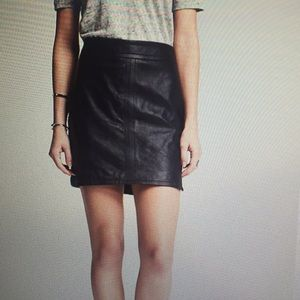 Banana Republic Skirts - Banana Republic Navy Leather Mini Skirt, size 2